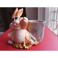 Статуэтка карандашница, салфетница Заяц или кролик. Полистоун. Размеры 9,5*9 см.