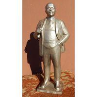 Фигура Ленина, высота 33см.