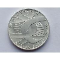 KM# 131 10 MARK 15.5000 g., 0.6250 Silver 0.3114 oz. ASW, 33 mm.