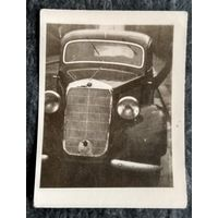 Фото автомобиля. 1940-е. 4х6 см.