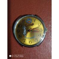 Часы юбилейные 50 лет победы волгоград   в отличном состоянии рабочие механизм 2609.на