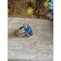 Кольцо  винтажное со вставкой пластины  абалона.18-19 р.