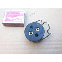 Розетка штепсельная внутрисалонная переносной лампы 47-К (для ретро машин)