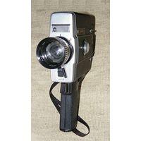 Кинокамера  АВРОРВ-215 super 8 в кофре в рабочем состоянии.