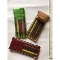 Мелки карандаши восковые цветные 6 шт СССР 1984г ( цена указана за один набор, в бежевом и зеленом футляре нет, остался в бордовый)