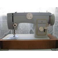 Швейная машина Чайка 132М с электроприводом в чемодане