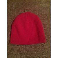 Классная розовая шапка на девочку, можно закасывать. Размер в нерастянутом состоянии: ПОголовы 18,5 см, высота 17,5. Тянется ПОголовы 25 см. Новая.
