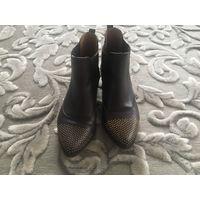 Ботиночки кожаные Bosettlnl. Произведены в Испания.