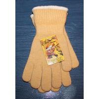 Перчатки зимние песочного цвета