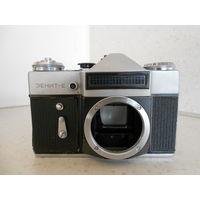 Фотоаппарат Зенит-Е без объектива, 1978 г., рабочий