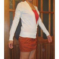Джемпер белого цвета