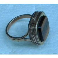 """Массивное Старинное Викторианское Кольцо с Отделением для Фотографии или Яда;)_На Западе такие кольца называются """"POISON RING"""". Ручная работа, золото 10К(375 проба),размер кольца 18.5-19, 9.1г."""