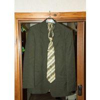 Костюм мужской с галстуком