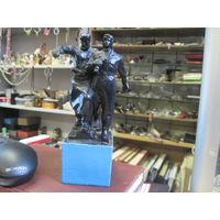 "Статуэтка, скульптура ""Рабочий и танкист"", чугун, 17,5 см."