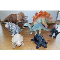 Коллекция фигурок динозавров  Германия