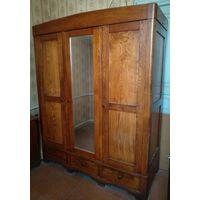 Шкаф старинный из натурального дерева