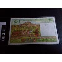 Мадагаскар 500 франков 1994 UNC