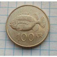 Исландия 100 крон2004г.  Рыба-Воробей. Семейство Пинагор. Состояние.