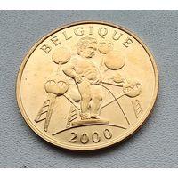 Бельгия Писающий мальчик, 2000 4-3-20