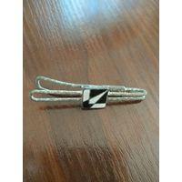 Зажим для галстука с эмалеми  старинная, не чищена.