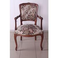 Кресло с вышивкой (Цветы)